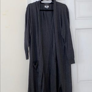 Gray Old Navy cardigan with pockets good condition